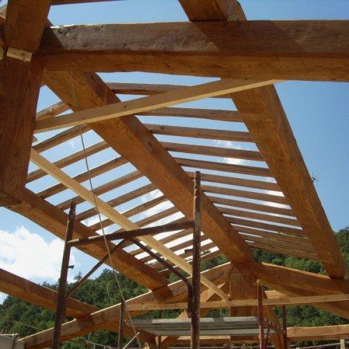Struttura per tetto in legno
